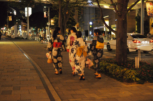 Girls wearing yukata in Roppongi
