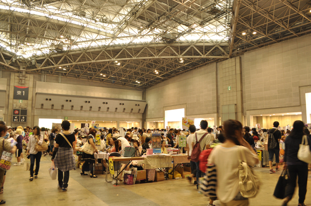 Inside of Comiket 82
