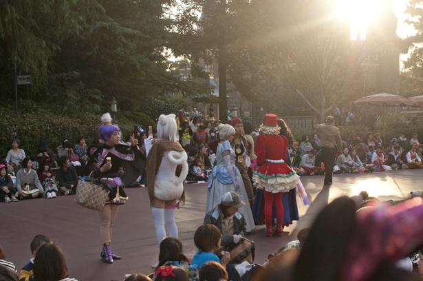 people enjoy costumes in Tokyo Disneyland